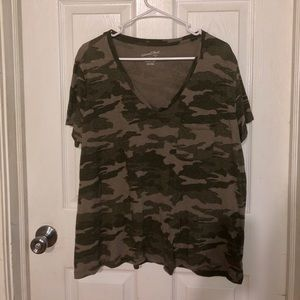 Universal thread camo T-shirt